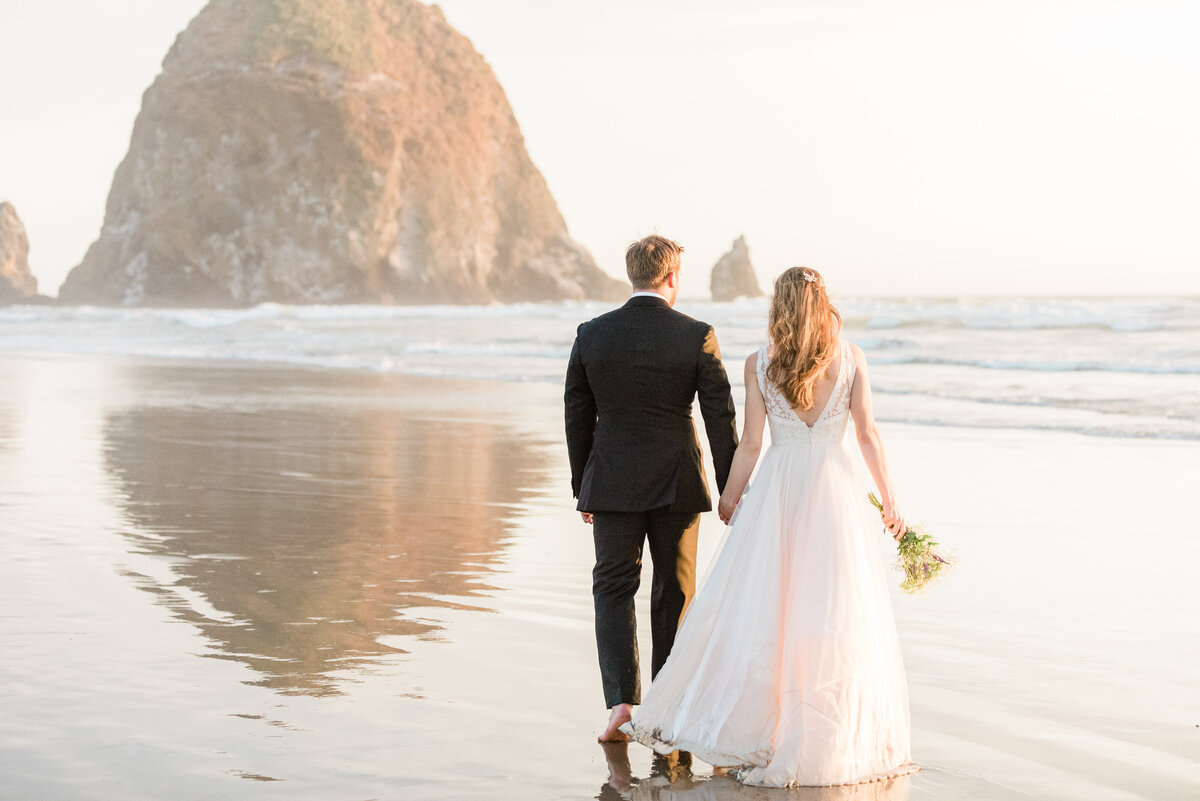 Cannon-Beach-Elopement-Photographer-60