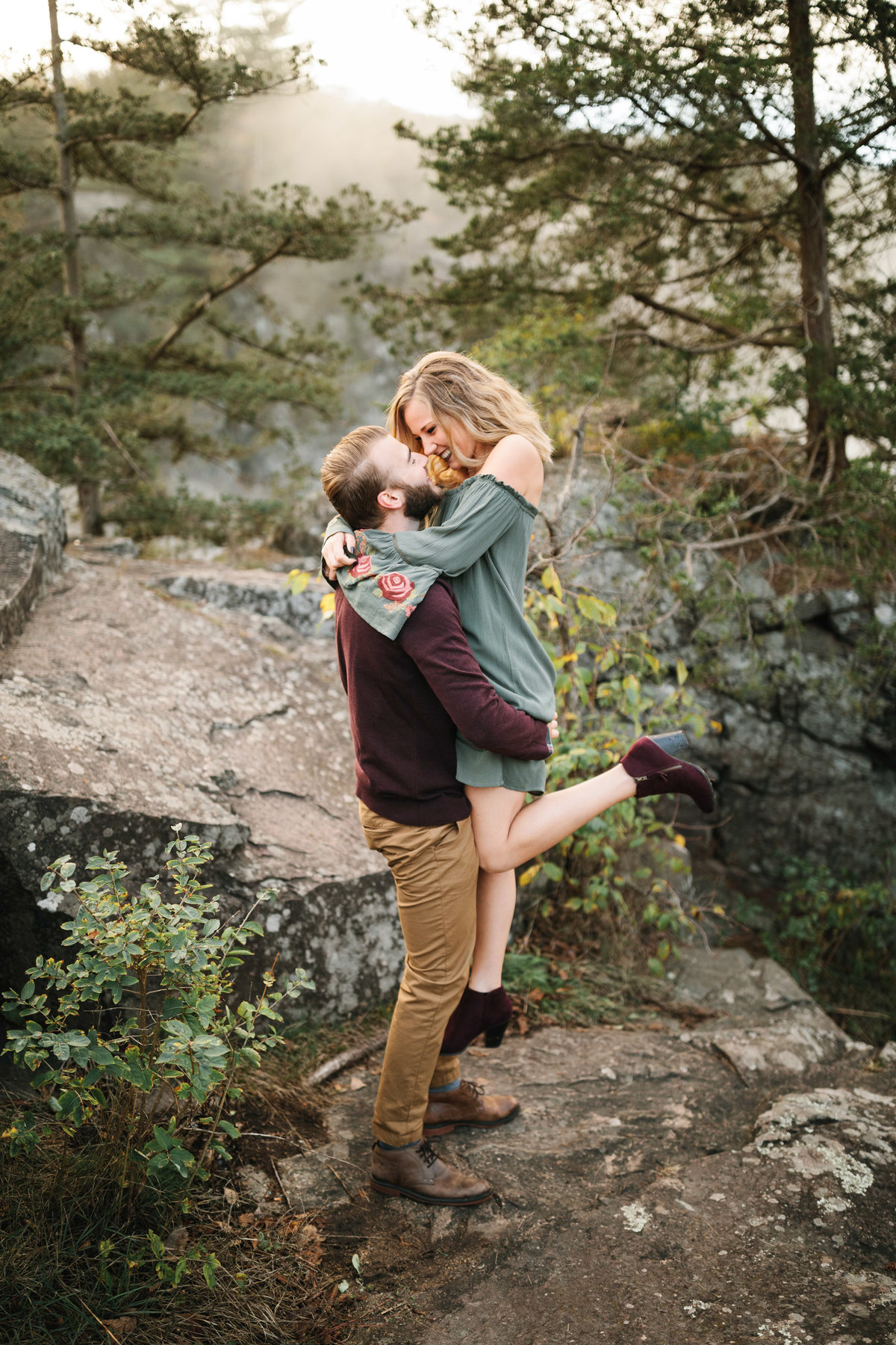 Taylors-Falls-Minneapolis-Fall-Engagement-9