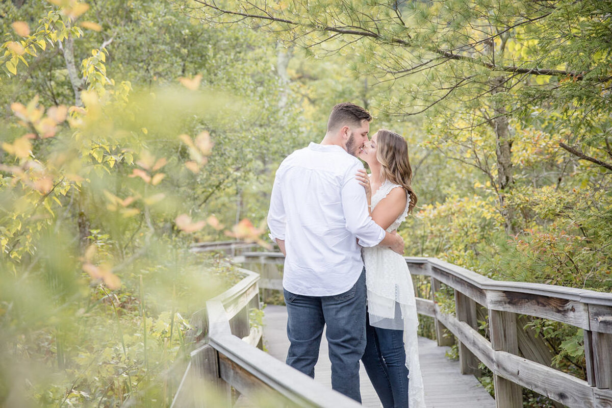 Rachel-Elise-Photography-Syracuse-New-York-Engagement-Shoot-Labrador-Hallow-6