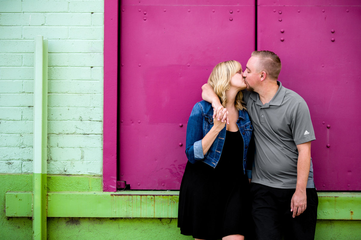 downtown-denver-engagement-pictures
