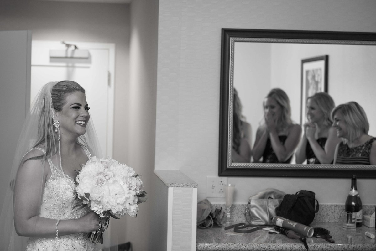 getting-ready-wedding-marriott-plaza-kc-0001