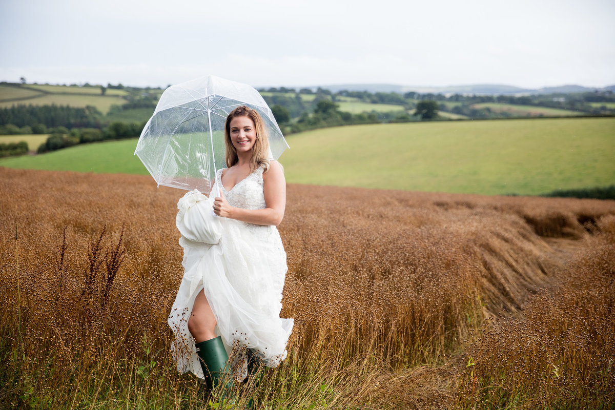 exeter wedding photographer at the oak barn devon