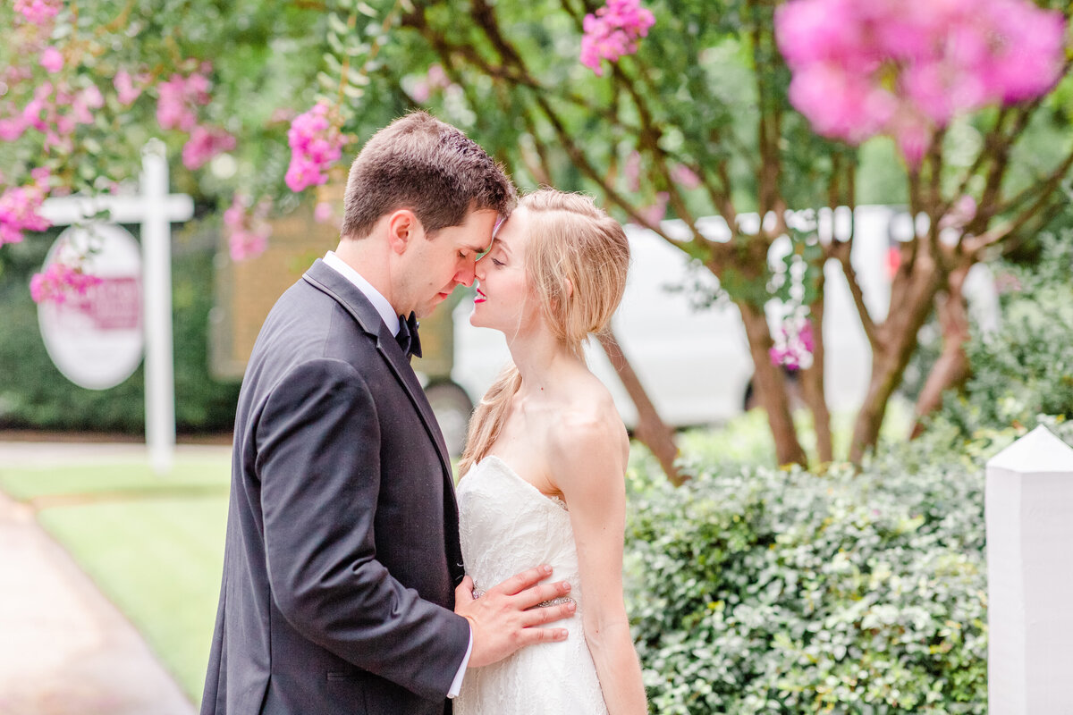 Bright and airy wedding photography at Mary Gay House in Decatur by Atlanta wedding photographer Jennifer Marie Studios