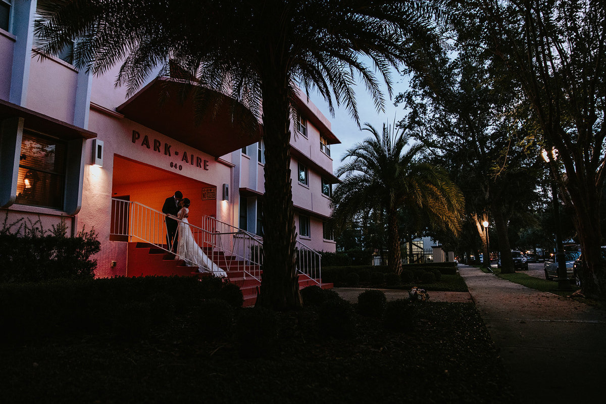 wedding couple kissing in Winter Park Florida