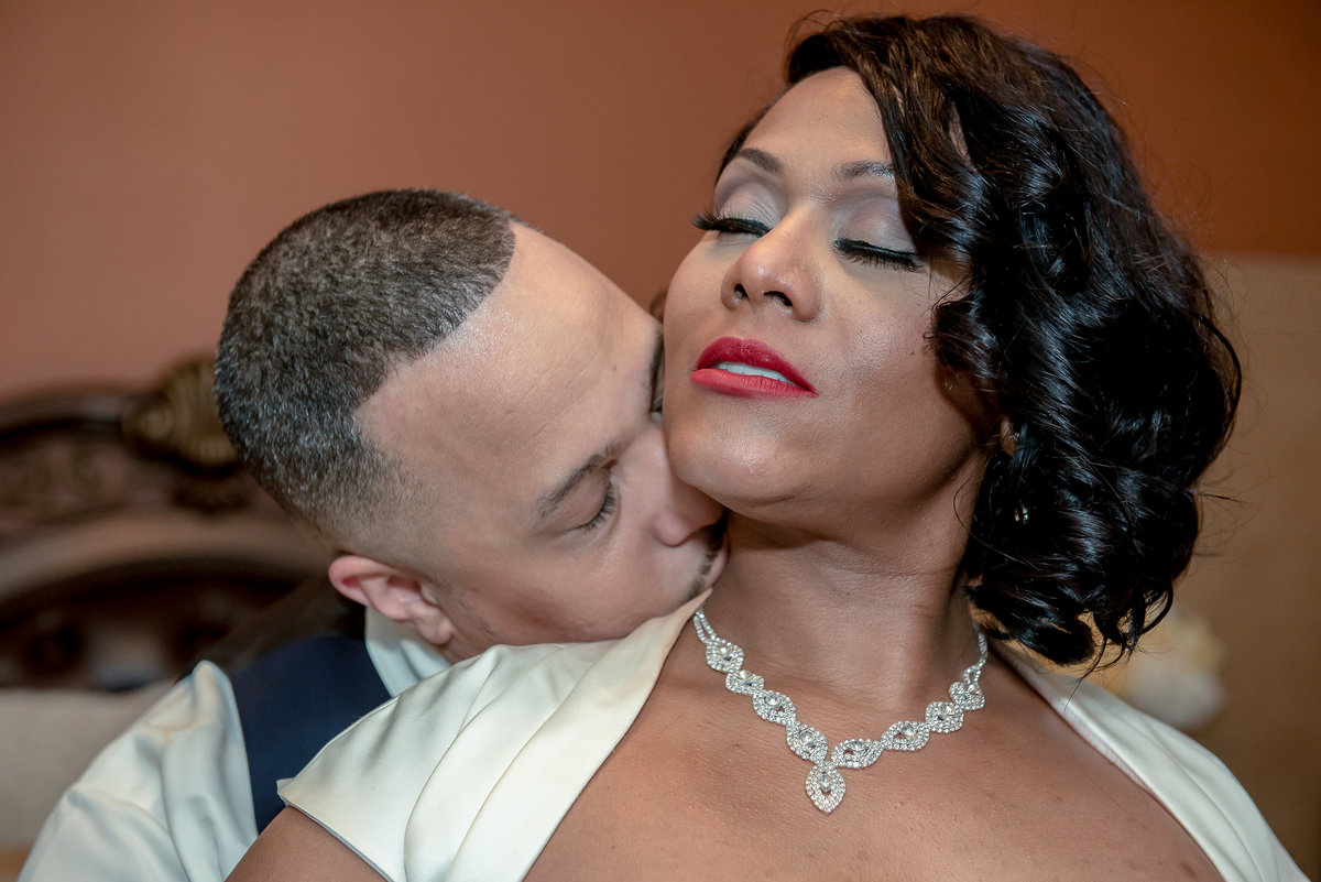Groom kisses Bride Intimate portraits baltimore county md