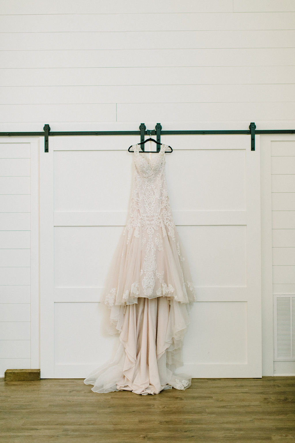 Arkansas Bride Wedding Dress / Tyler Rosenthal Photography