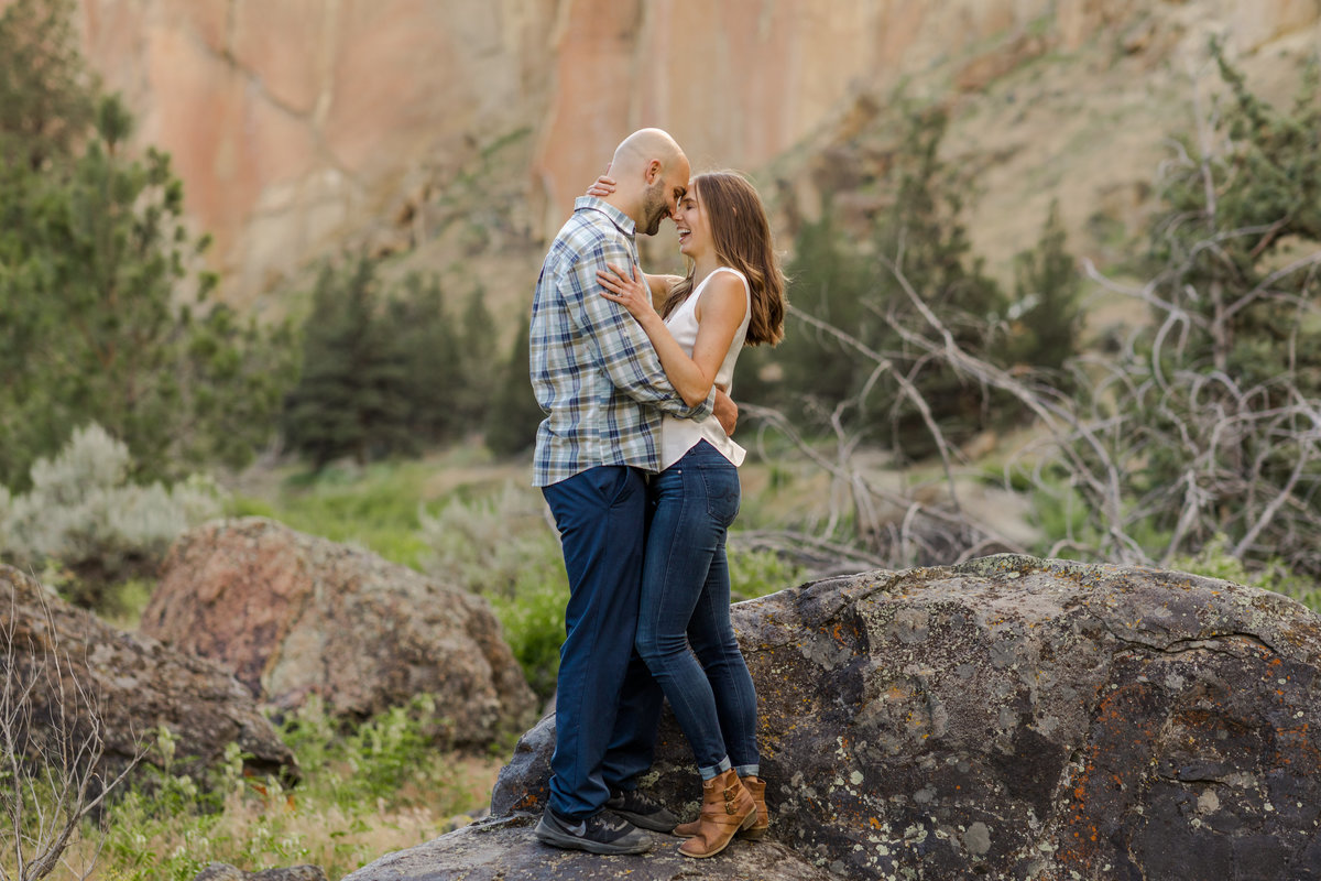 Smith Rock Engagement Session - Bend Oregon-43