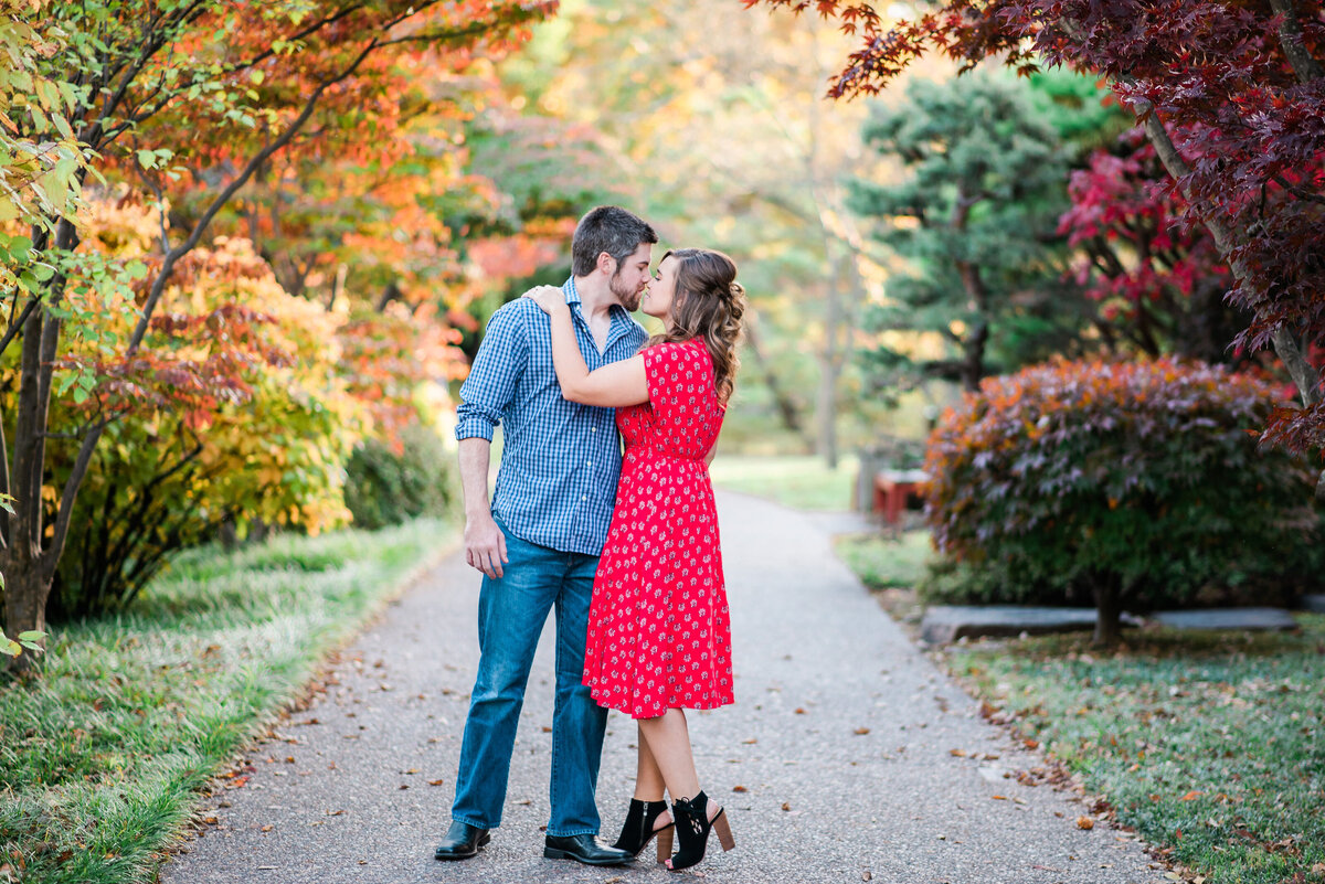 Fall MO Botanical Gardens Engagement Session