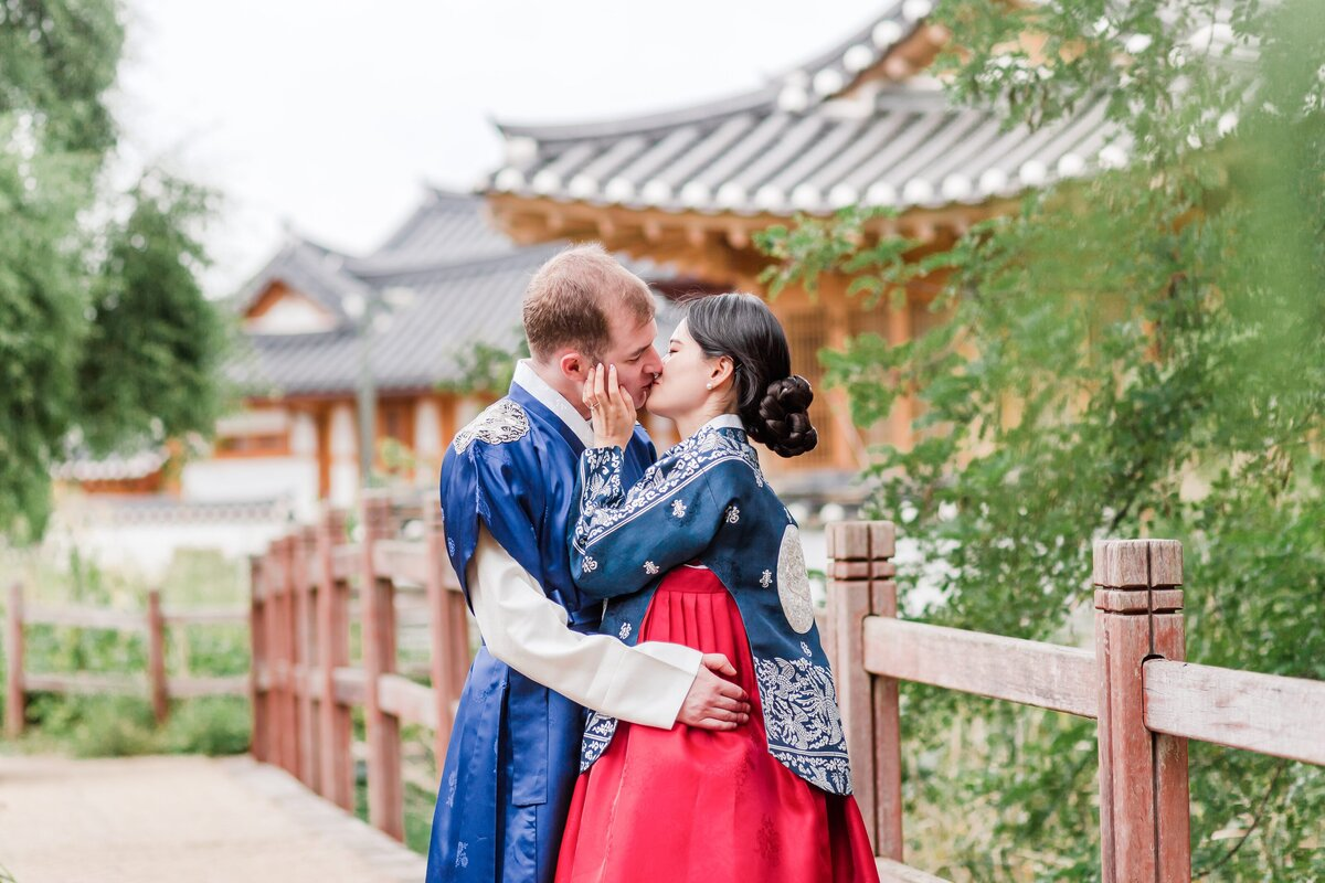 Seoul-South-Korea-Bridal-Engagement-Shoot-Eunpyeong-Village-Hanok-0034