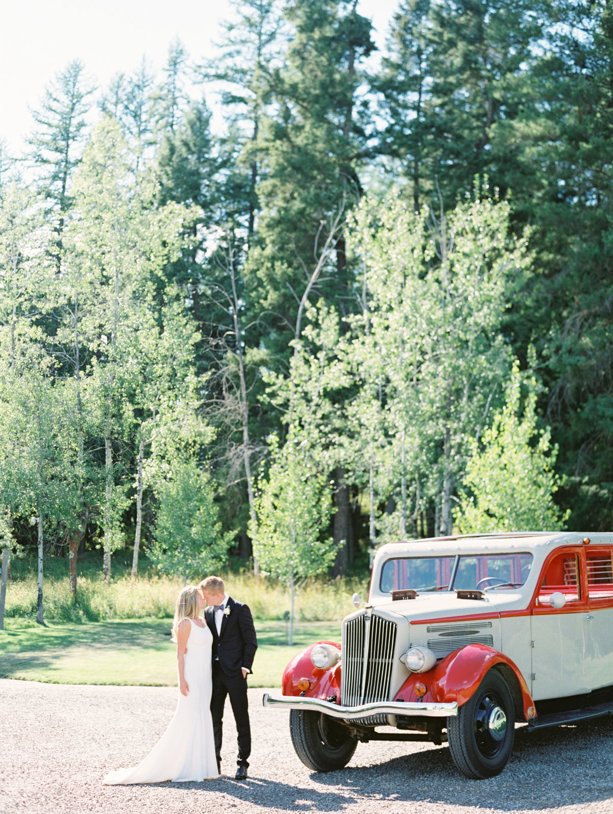 Glacier-national-park-wedding-jammer