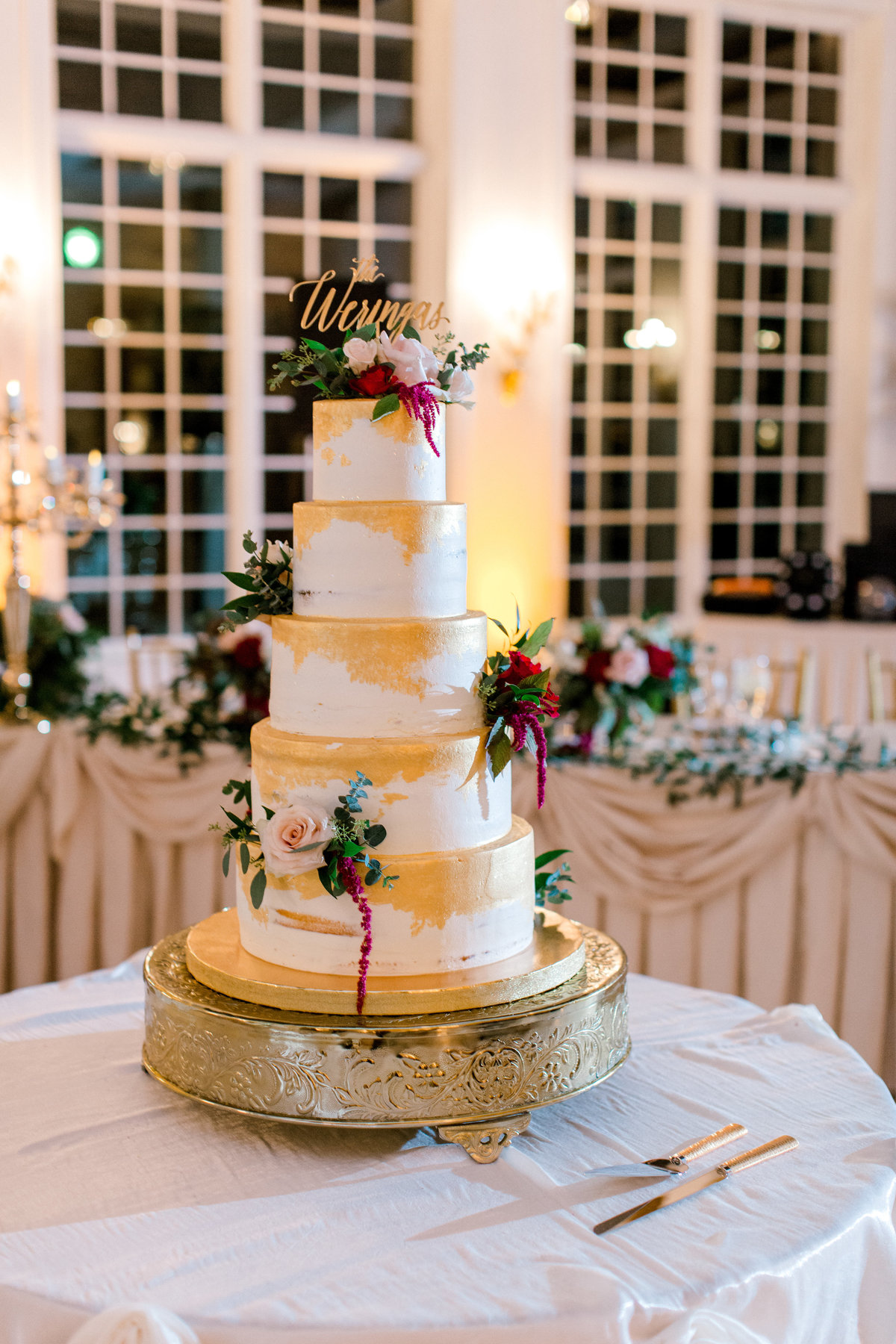 wedding cake at the haley mansion in joliet illinois