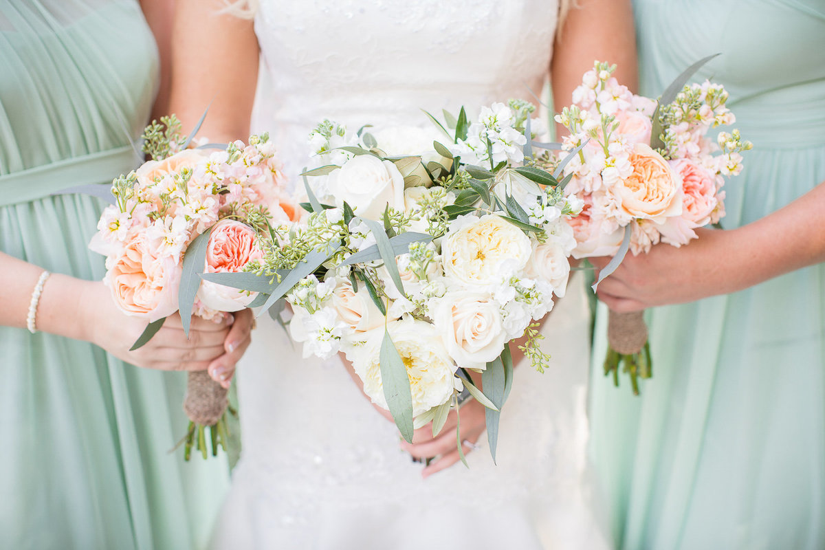 bride and bridesmaids flowers nature outdoor wedding colorado wedding romantic