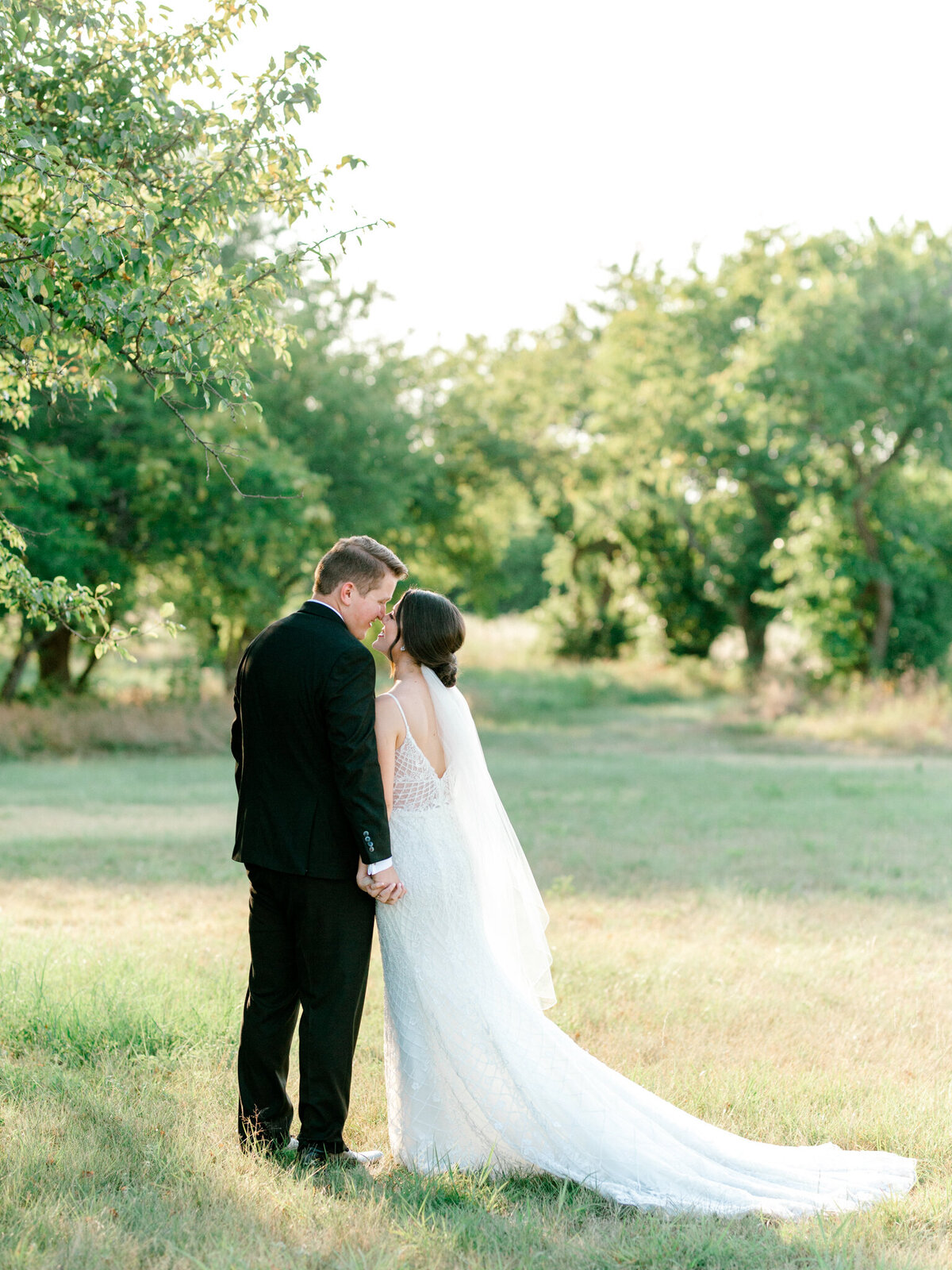 Anna & Billy's Wedding at The Nest at Ruth Farms | Dallas Wedding Photographer | Sami Kathryn Photography-8