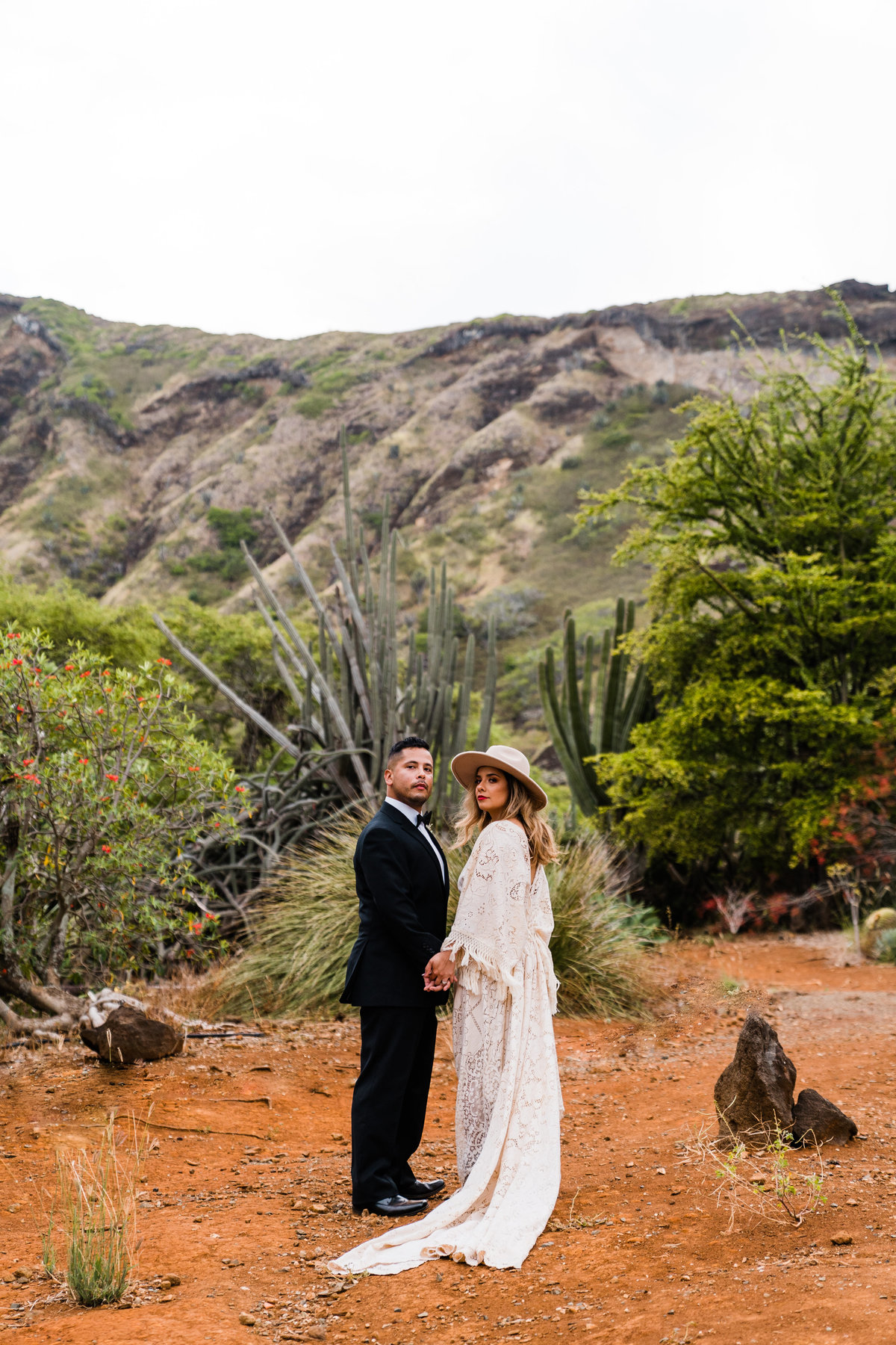 cactus-botanical-garden-hawaii-elopement-sydney-and-ryan-photography-18