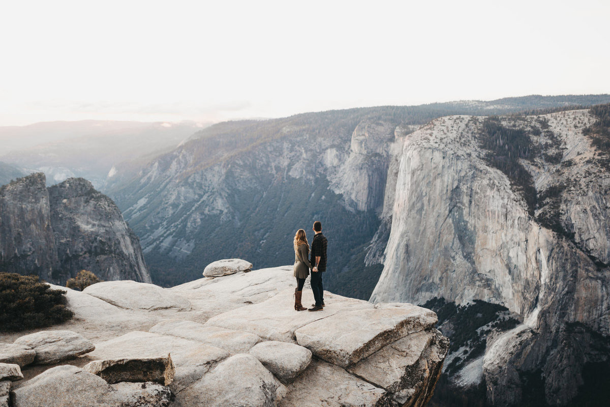 athena-and-camron-how-to-elope-in-yosemite-valley-taft-point51
