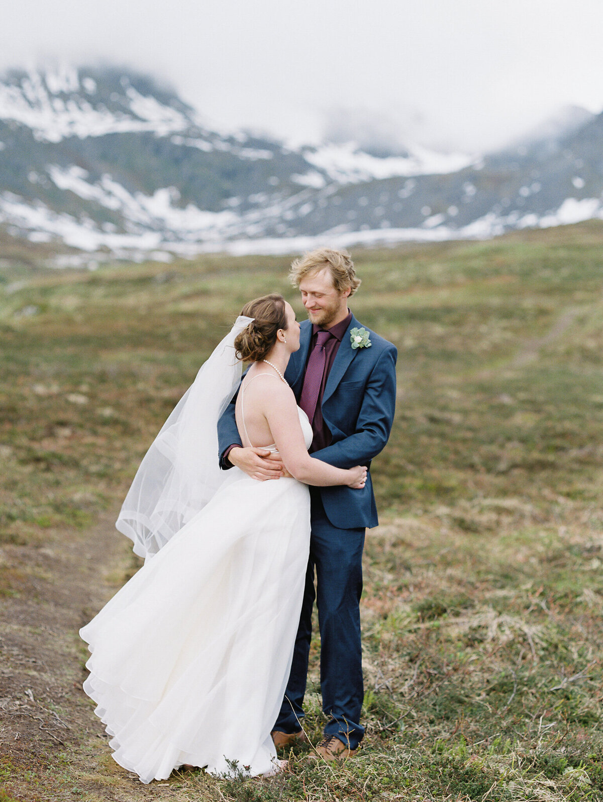 Hatcher Pass bride and groom