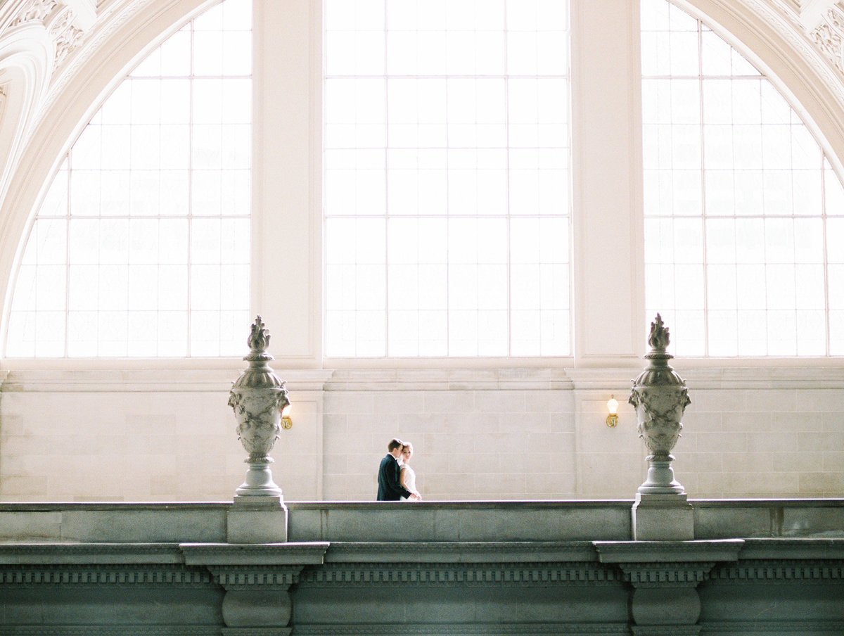 SanFranciscoCityHallWeddingPhotographer_SanFranciscoCityHallWedding_2019-Andrew_and_Ada_Photography-575