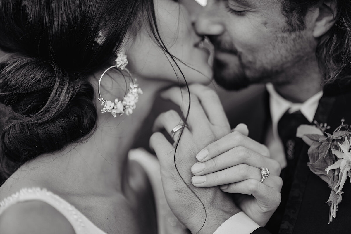 MorganeBallPhotography-Wedding-RomanceinTuscany-LeFontanelle-Part09-couple-scene05-47- 1532