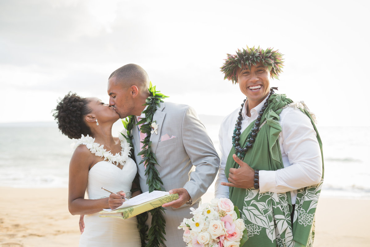 jasmin_nicolas_maui_ beach_wedding_eye4events  (45)