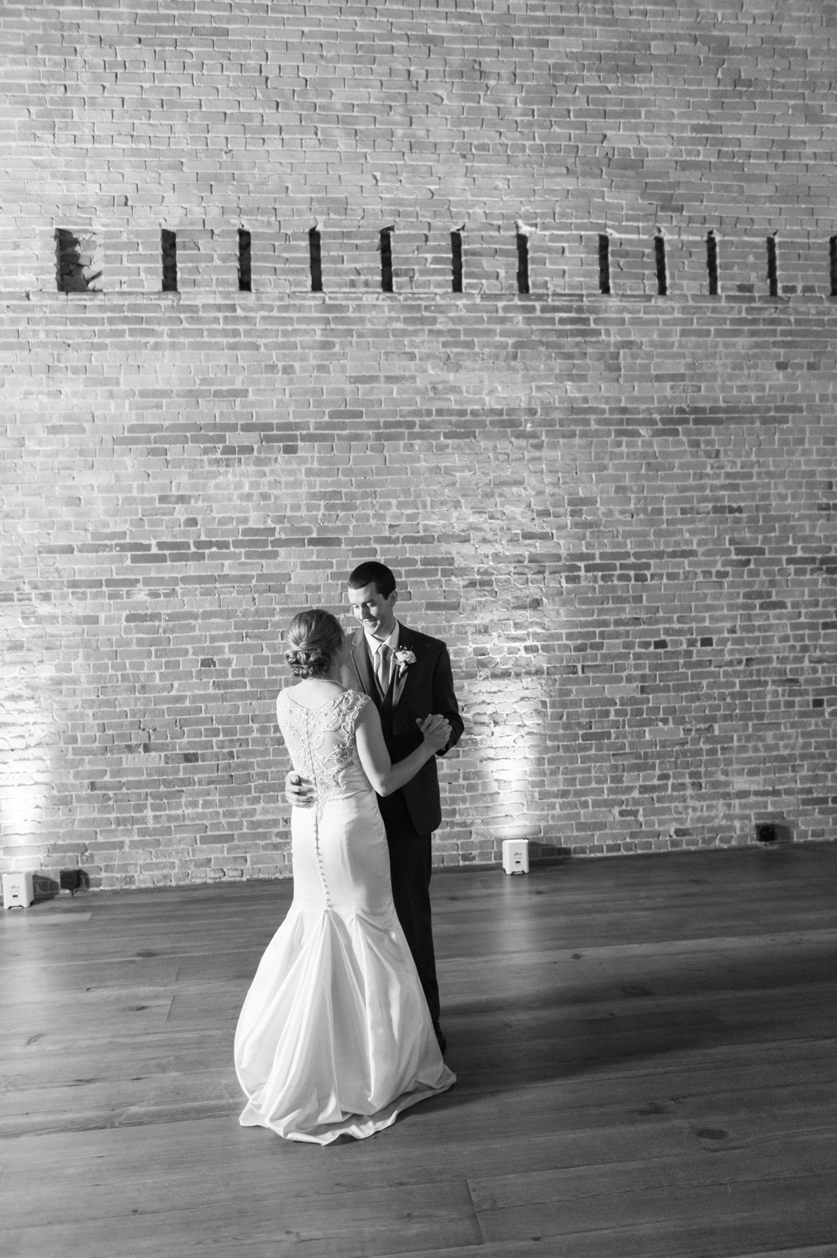 00003_ Toast Cake Wedding Meredith Ryncarz Photography-6bw