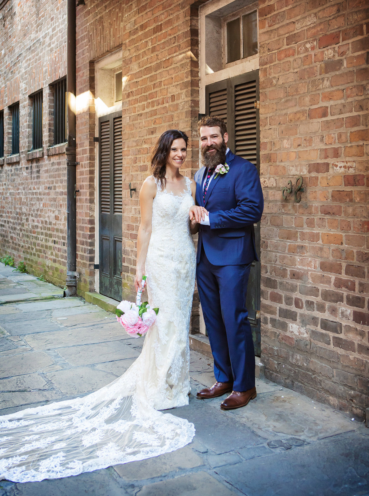 Pirate's Alley elopement couple