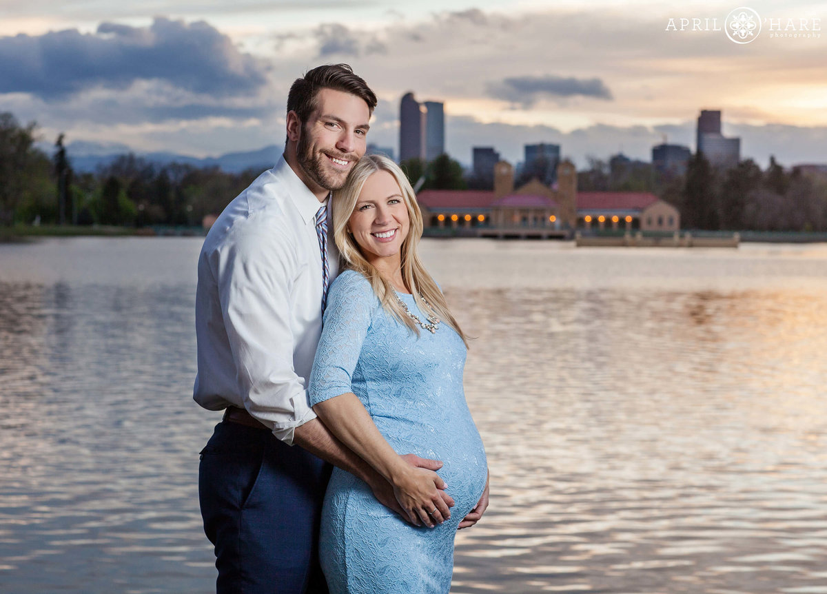 City-Park-Denver-Colorado-Maternity-Portraits-During-Spring-Blossoms-6