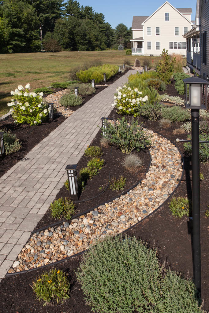 RFLD- Dry stream front walkway 20