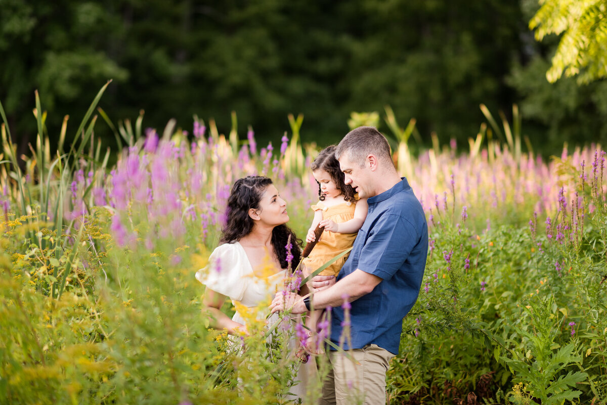 Boston-family-photographer-bella-wang-photography-Lifestyle-session-outdoor-wildflower-42