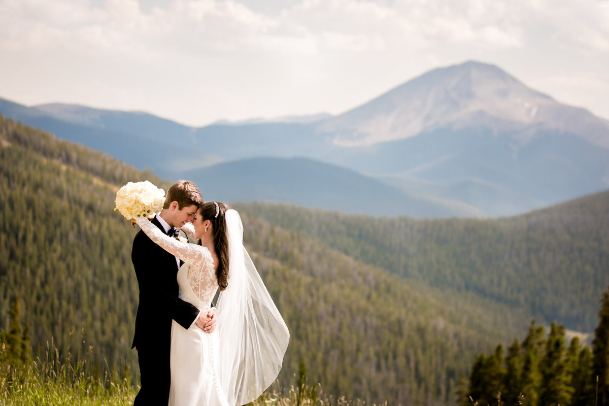 Keystone Colorado wedding photos at Timber Ridge Lodge
