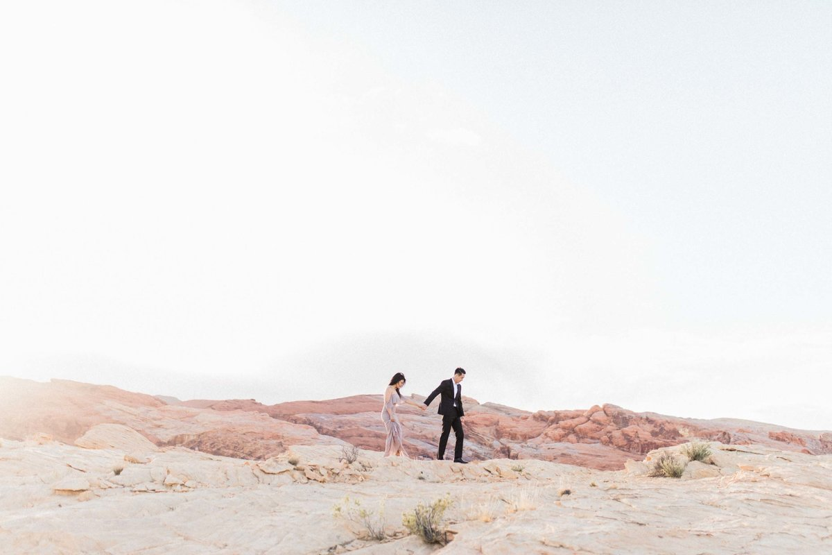 Valley-of-Fire-Las-Vegas-Engagement-Photographer-10-DT