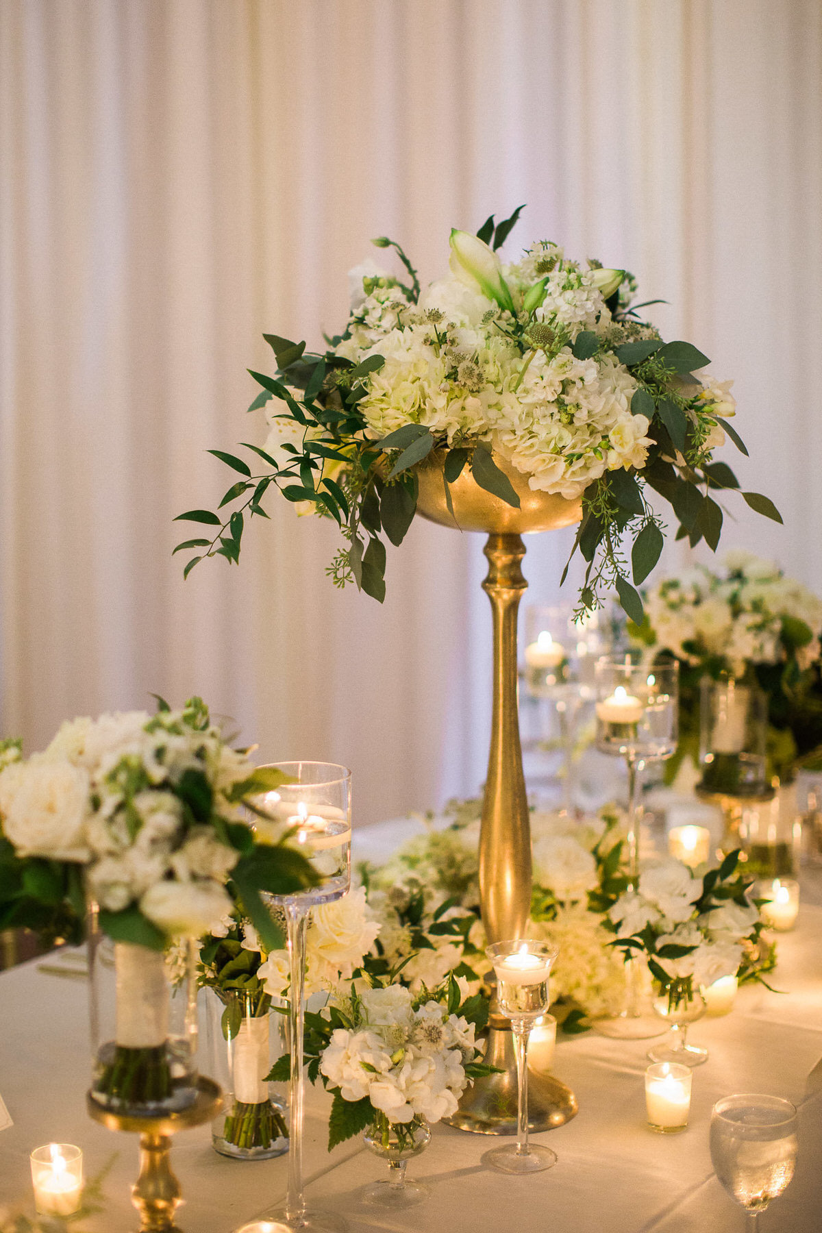 white and gold centerpiece, reception decor