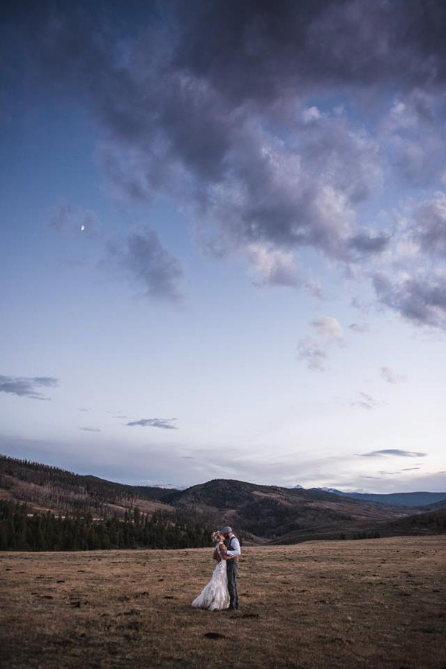 Granby-colorado-strawberry-creek-ranch-hipster-mountain-wedding-married-on-the-rockies