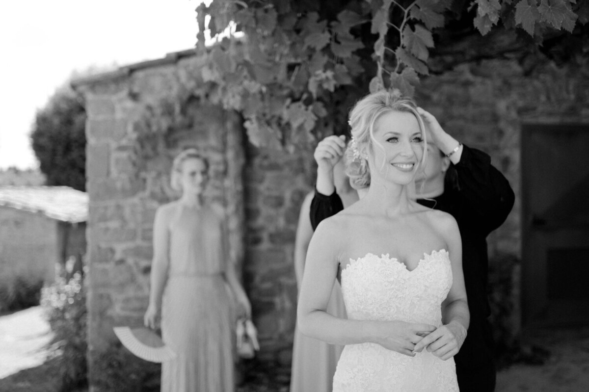 039_Tuscany_Luxury_Wedding_Photographer (49 von 215)_So thankful to be a luxury destination wedding photographer in Tuscany! Claire and James invited their beloved family & friends from London to their luxury wedding in Tuscany.