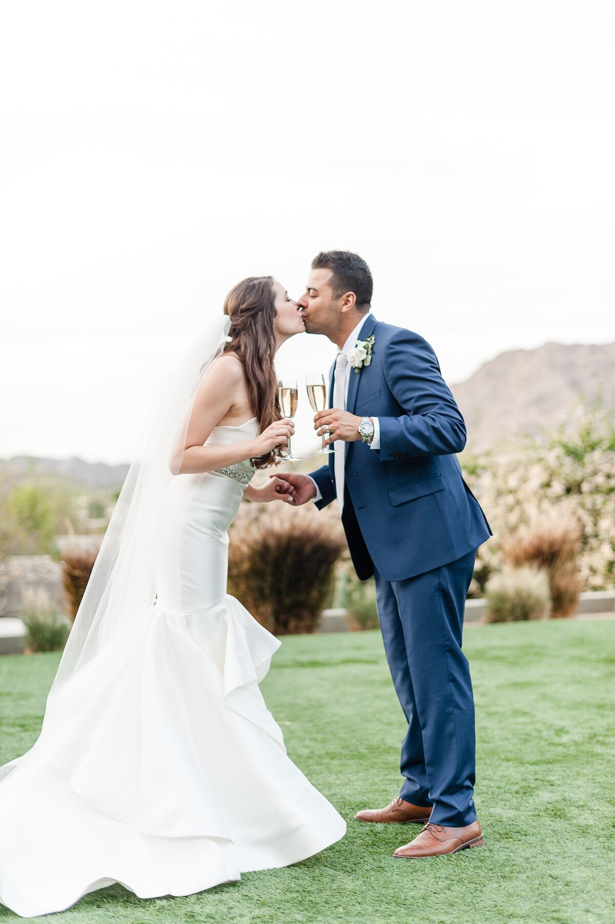 Sanctuary-on-Camelback-Wedding-by-Leslie-Ann-Photography-00034