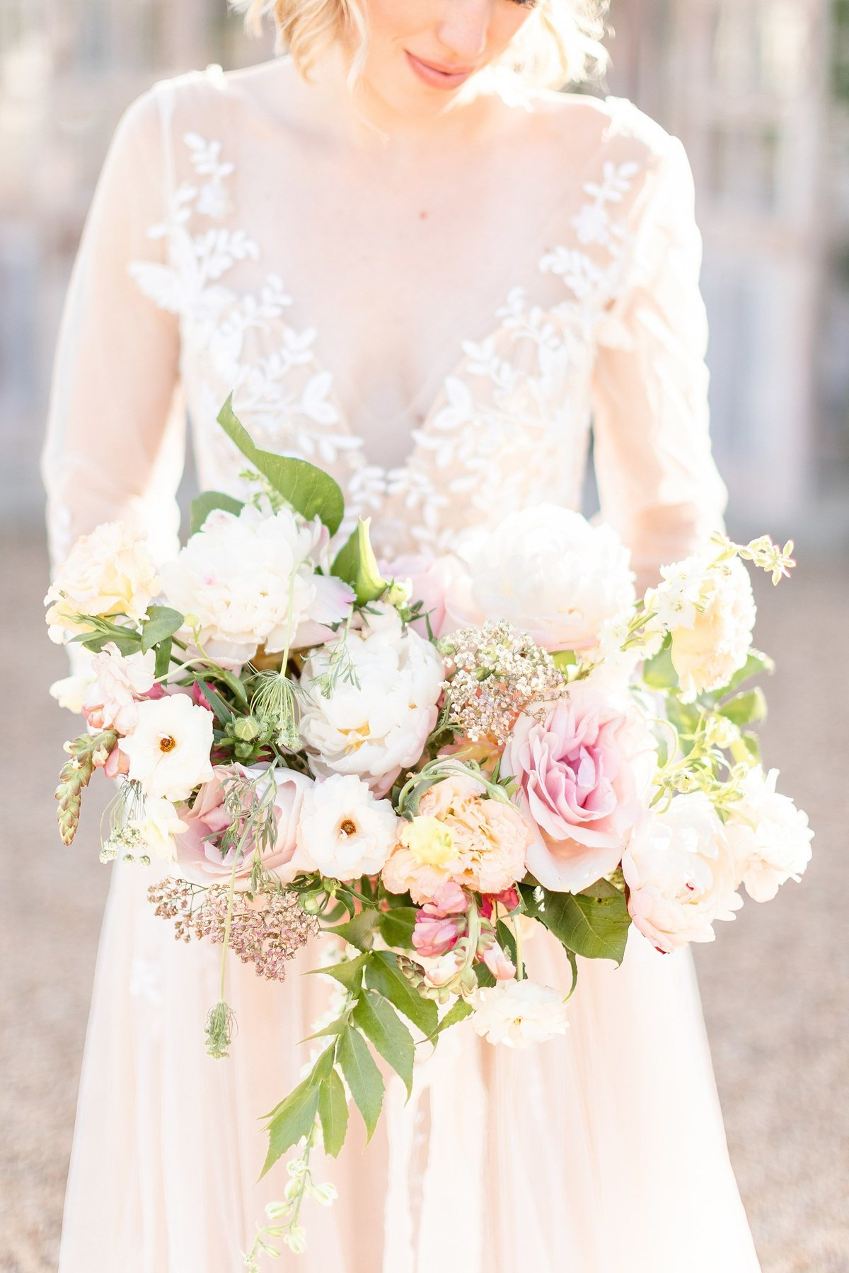 the white sparrow fort worth wedding bouquet neutral