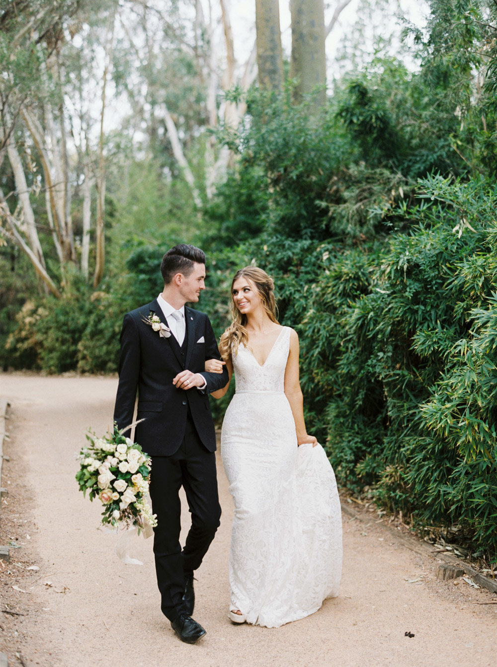 Dubbo Taronga Western Plains Zoo Wedding by Fine Art Film Dubbo Wedding Photographer Sheri McMahon-00014