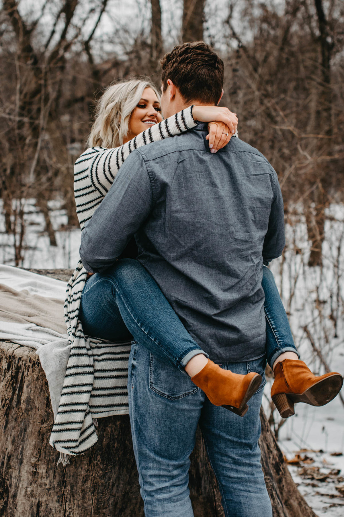 fullersburg-woods-winter-shoot-hinsdale-il-couple-engagement-chicago-180