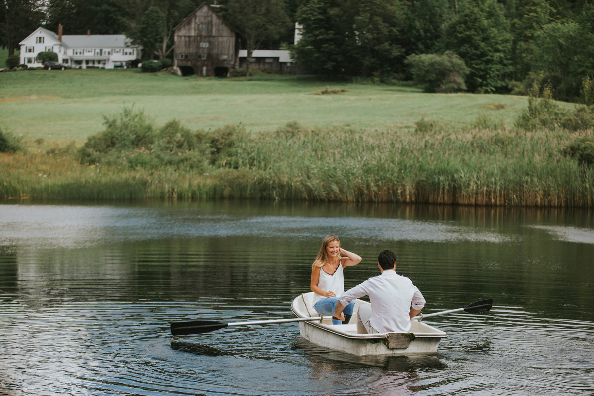 woodstock-vermont-couples-engagement-portrait-photographer-114