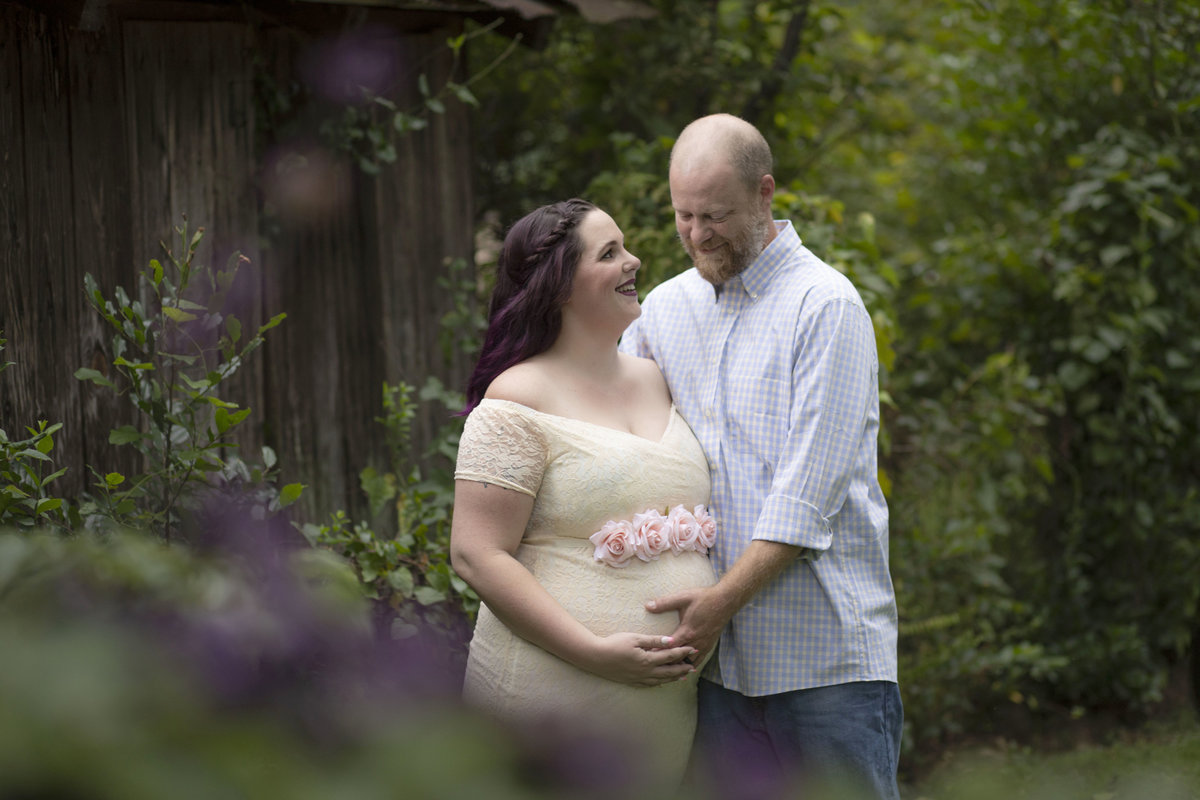 monroe_photographer_a_focused_life_photography_maternity_conyers_ga_lace_dress_outdoor_purple_hair_mom_dad_romantic