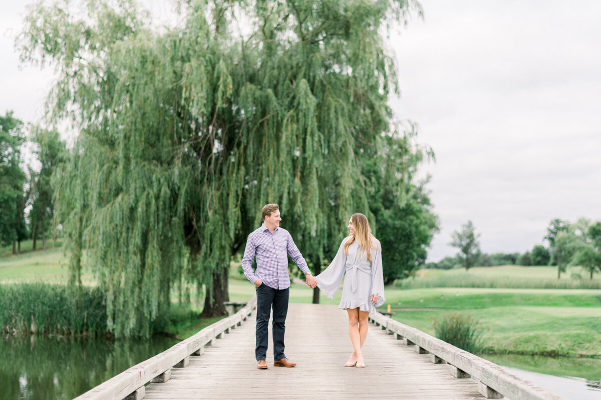 Minneapolis Wedding Photographer, Minneapolis Luxury Photogrpaher, Minnesota wedding photographer, Minneapolis light and airy photographer, luxury wedding photographer, Engagement photographer, light and airy photographer