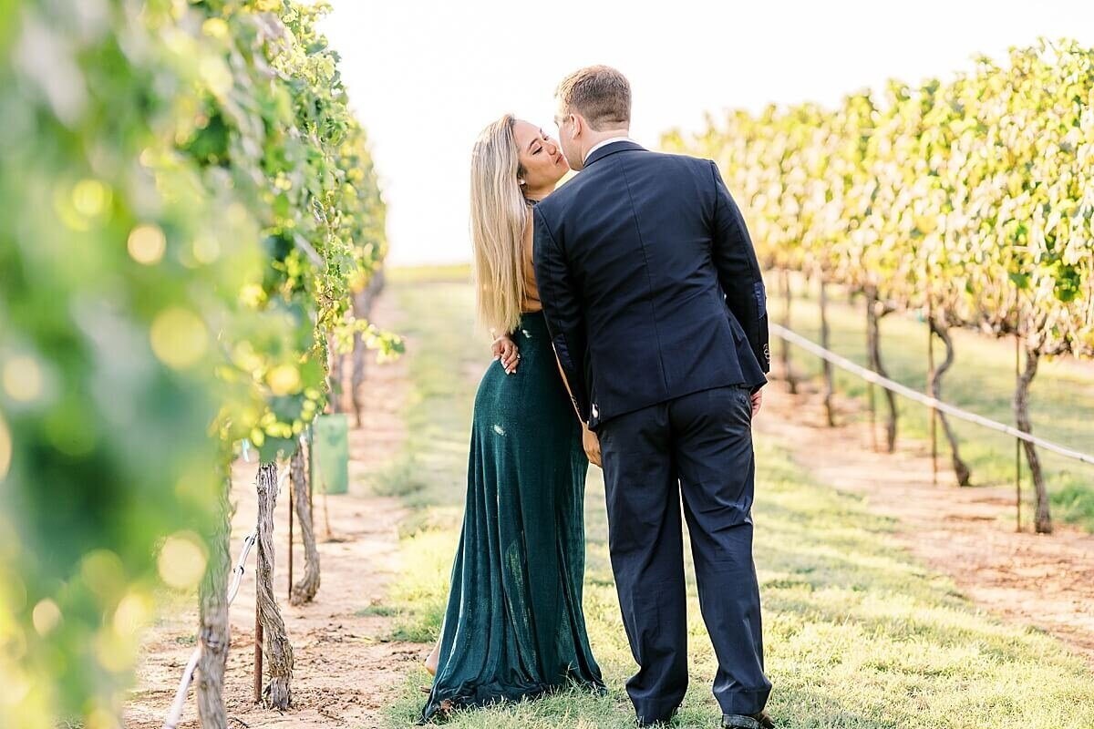 Texas-Hill-Country-Vineyard-Engagement-Portrait-Session-Alicia-Yarrish-Photography_0043