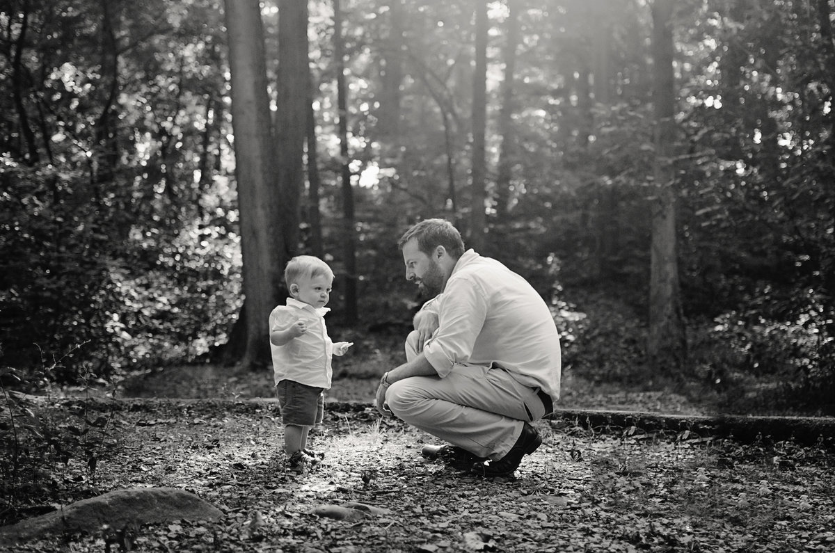 Portrait of a father and his little boy taken at Lubber Run Park in Arlington, Virginia taken by Sarah Alice Photography