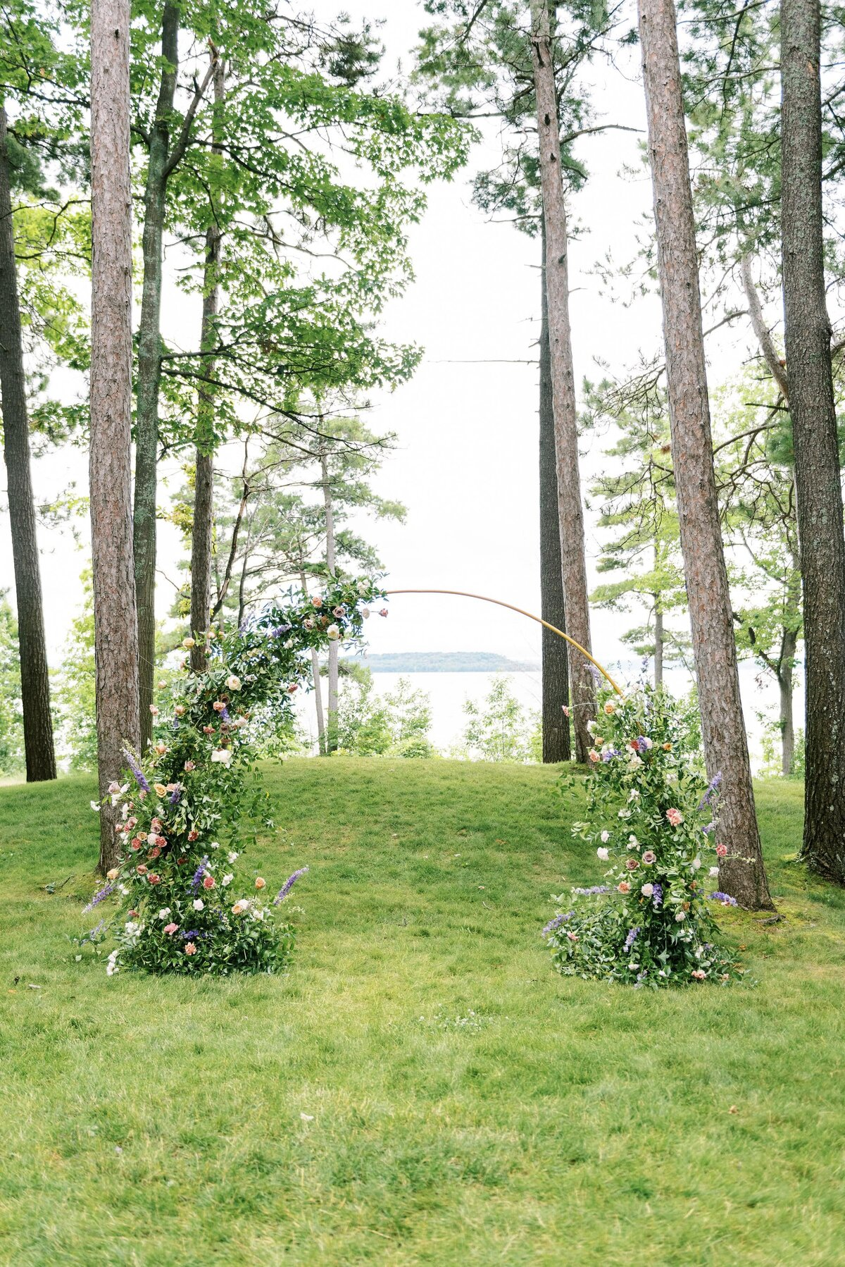Traverse City Wedding Ceremony The Day's Design Florist-min