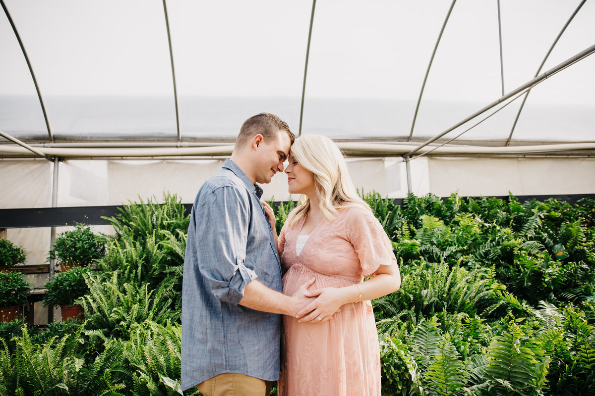 greenhouse-maternity-photography-session-raleigh-2043