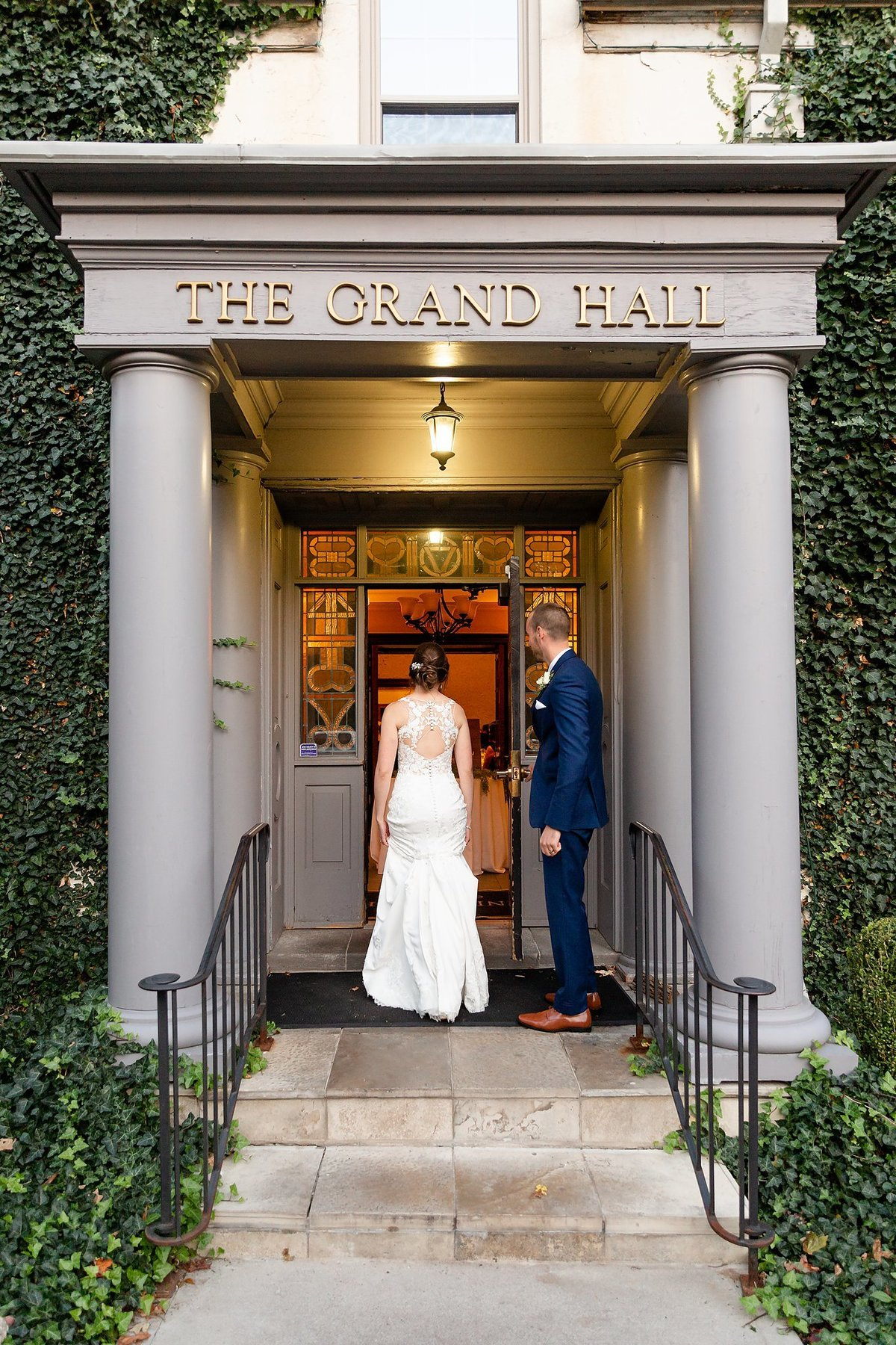 Romantic Windermere Manor Wedding | Dylan and Sandra Photography 137