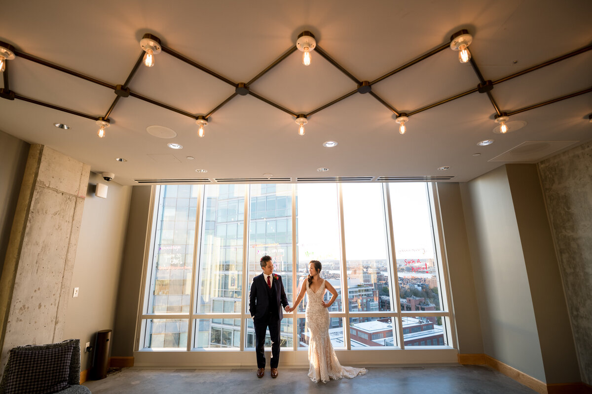 Boston-Wedding-Photographer-Bella-Wang-Photography-Empire-Garden-Moxy-48
