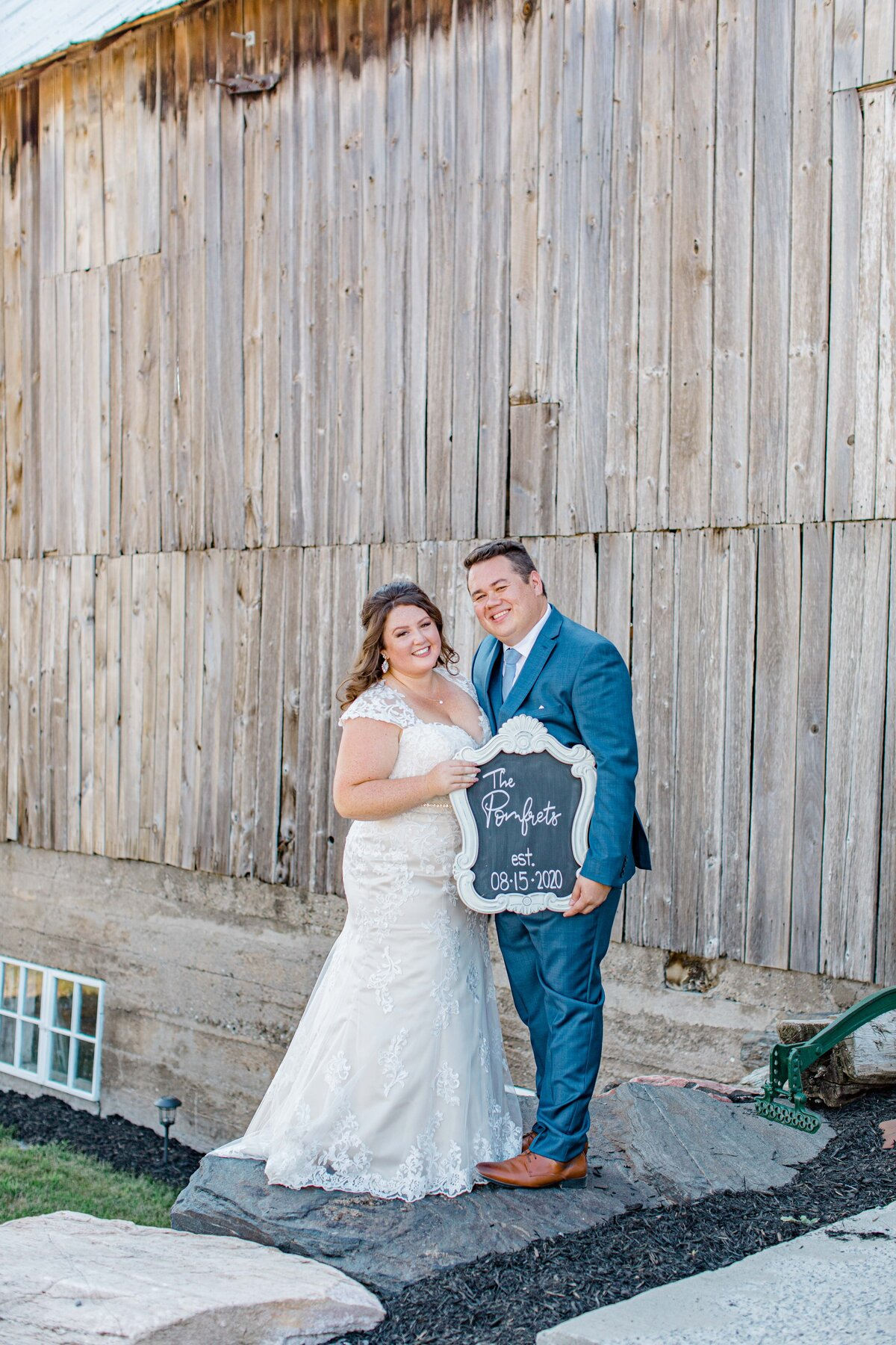 laura-ben-campbell-farm-white-lake-wedding-grey-loft-studio-2020-173