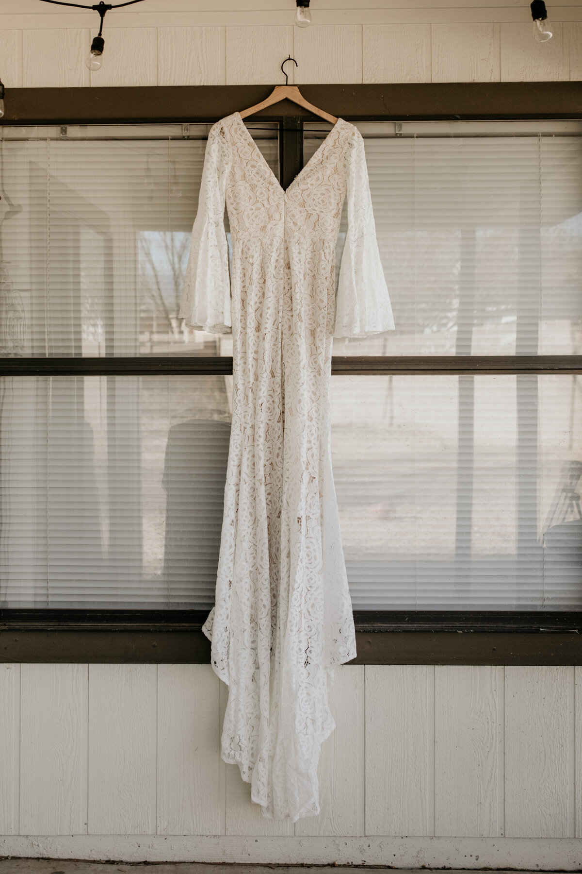 wedding-dress-rentals-for-styled-shoots-elopement-photographer-19-21