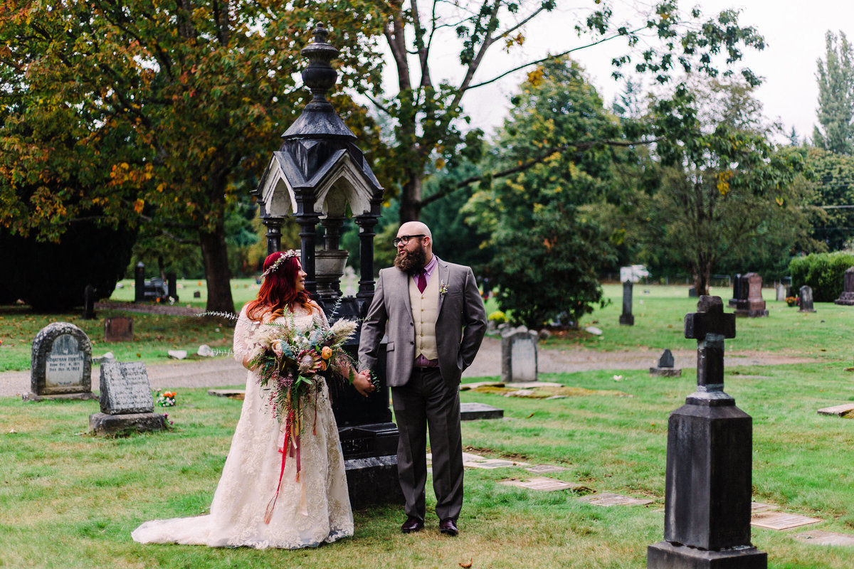 fort-langley-fall-wedding_cemetery_halloween-41