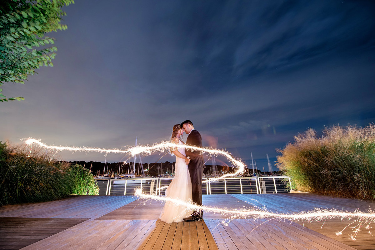 sparkler-photo-at-night-at-harbor-club-at-prime